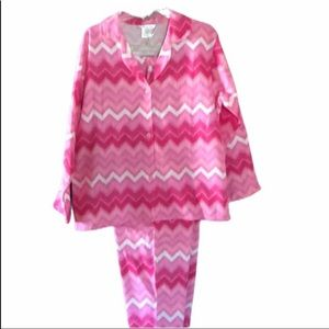 Hotel Spa Collection LARGE Pajamas Pink/White NWT
